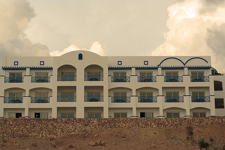 Thunderbird Resorts hotel overlooking Poro Point