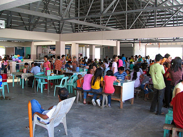 Balaoan Market Food Court