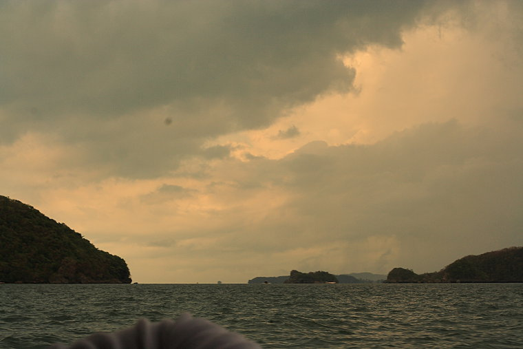 Leaving Hundred Islands